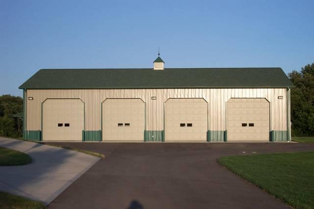 Garage builder elyria ohio 44035 44036 for 3 car garage pole barn